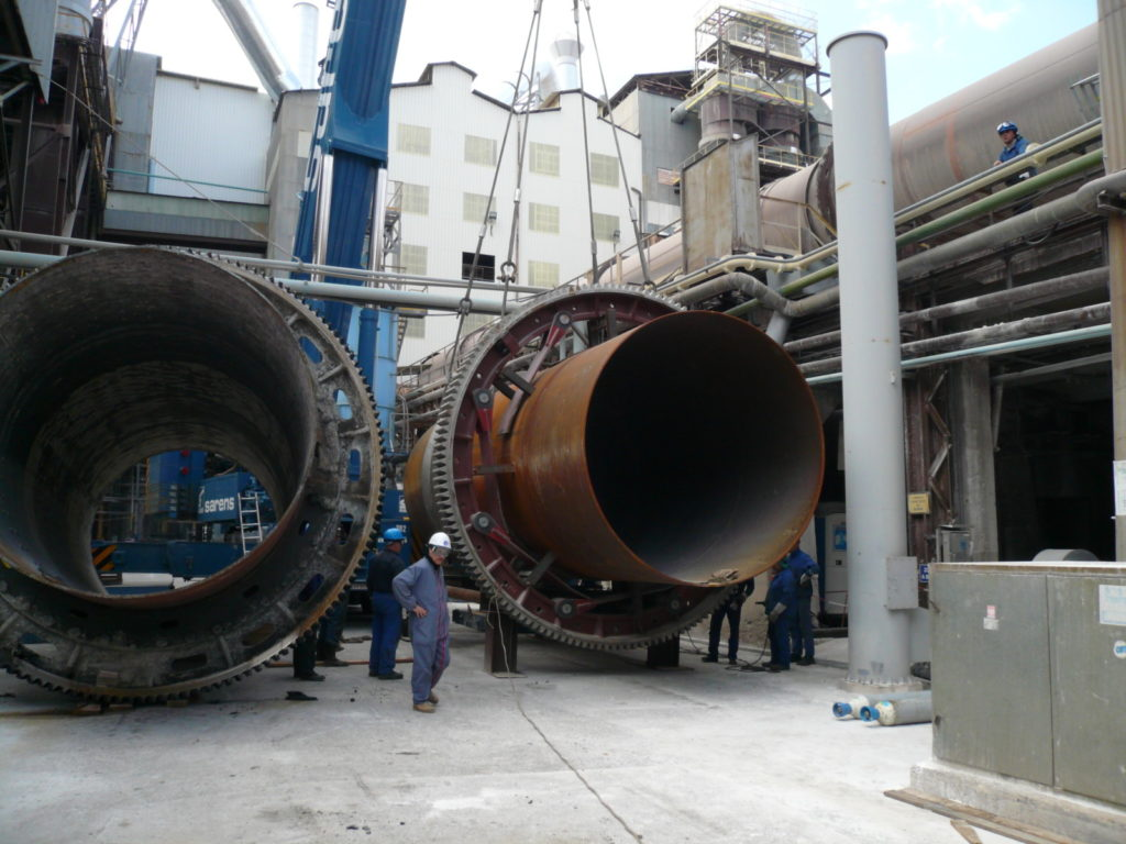 rotary-drum-engineering/refurbishment-of-a-rotary-kiln/new-shell-section-on-the-ground